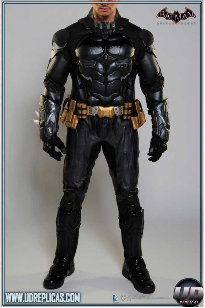 Taken from the UD Replicas website, the first shot of the entire suit