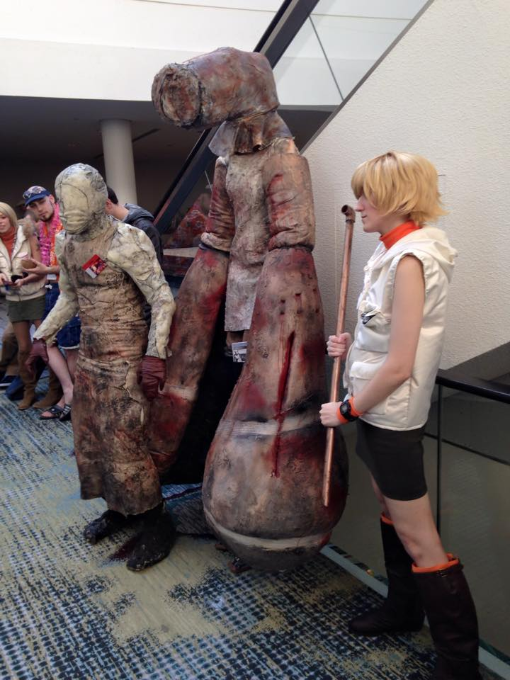Some incredible Silent Hill cosplayers
