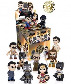 Batman-v-Superman-Mystery-Minis-298x350